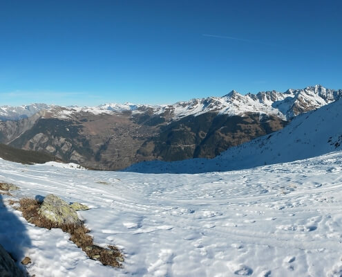 Snowspiracy - Looking back to Verbier from Bruson