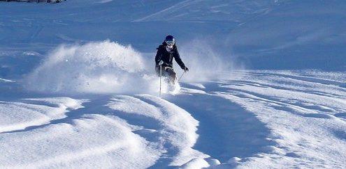 Emma TH skiing fresh powder